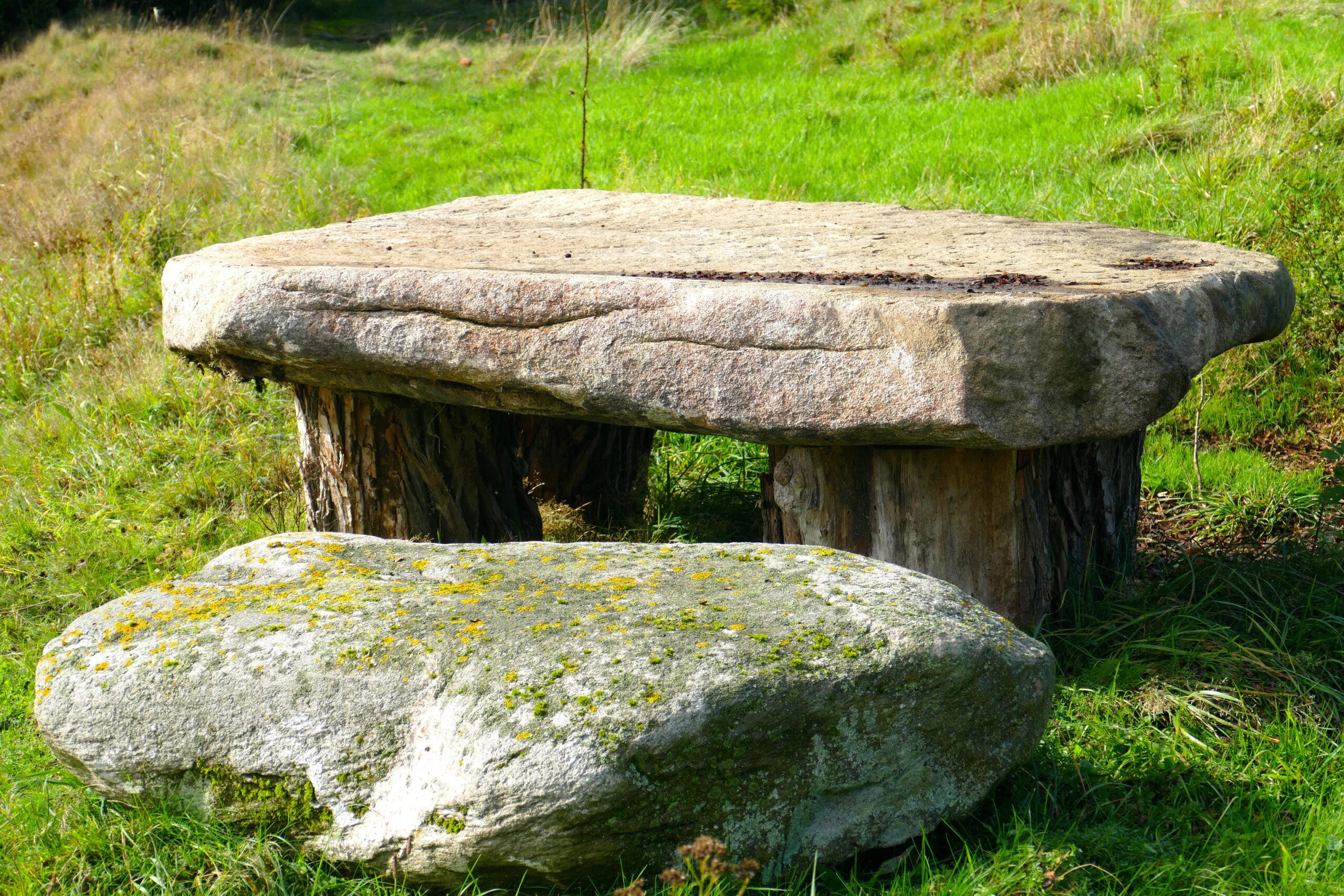 stone-table-2814444